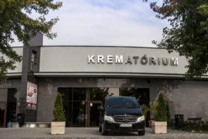 Krematórium Nové Zámky budova auto